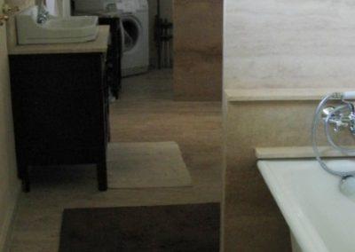 Fürdőszoba mészkőburkolat,márvány tusoló, gránit burkolat 4